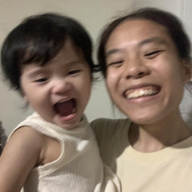 Babysitter in Singapore: Sheena
