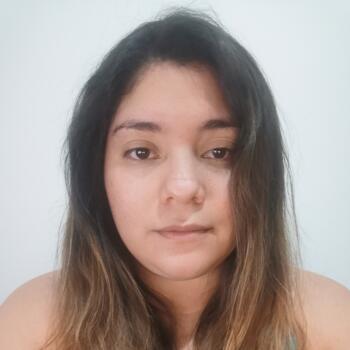 Babysitter in Cartago: Keila