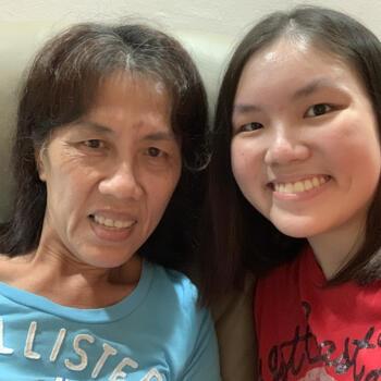 Babysitter in Singapore: Poh Choo
