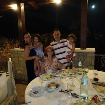 Babysitting job Milan: babysitting job NATALE