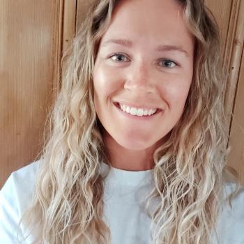Baby-sitter Calgary: Naomi