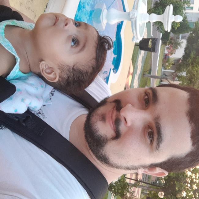 Emprego de babá em Manaus: Alexandre