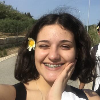 Babysitter em Tavira: Emilia