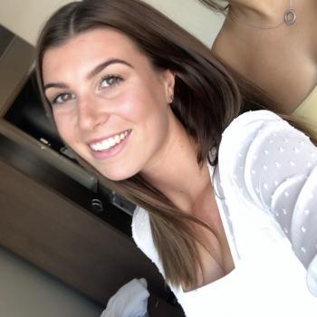 Babysitter Gold Coast: Madelyne