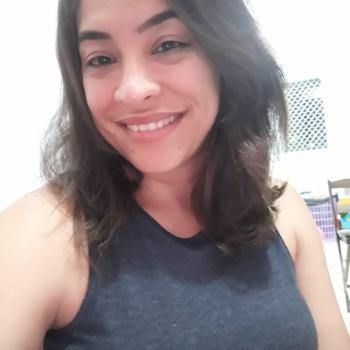 Emprego de babá Joinville: emprego de babá Aline