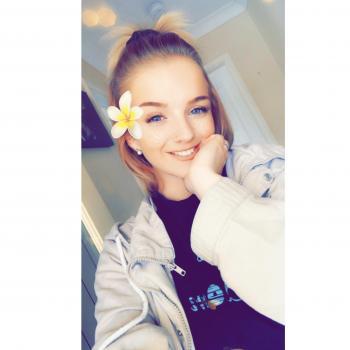 Babysitter Newcastle: Hannah