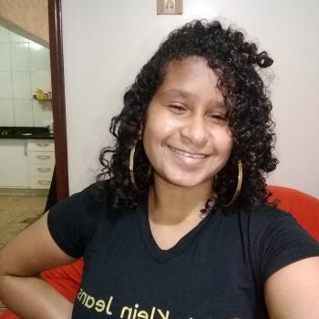Babysitter Brasília: Vitoria Rodrigues Mendes
