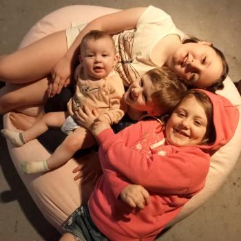 Babysitting job in Adelaide: babysitting job Amanda