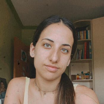 Babysitter in Sant Feliu de Llobregat: Laura