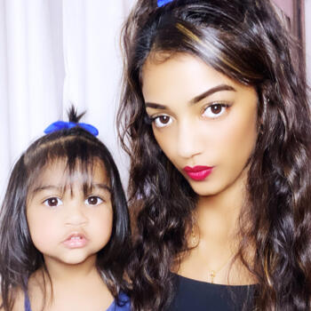 Babysitter Singapore: Dakshayini