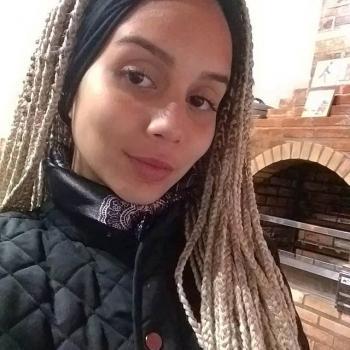 Babysitter Vila Velha: Sarah