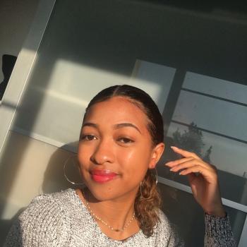 Babysitter in Troyes: Yvanna