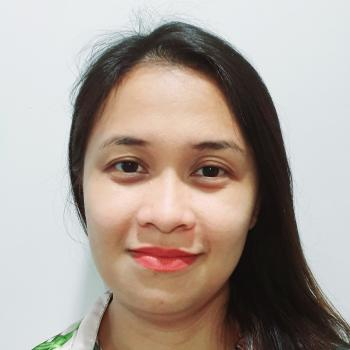 Babysitter Singapore: Nora