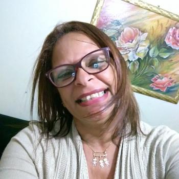 Babysitter Bauru: Claudia de Paiva Almeida