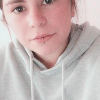 Baby-sitter in Calais: Erica