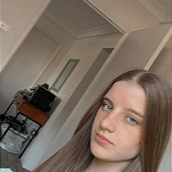 Babysitter in Wollongong: Hannah