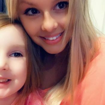 Babysitter Surrey: Sara