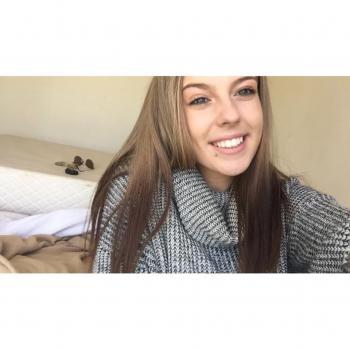 Babysitter Adelaide: Brittany