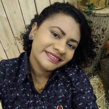 Babá Aparecida de Goiânia: Aline