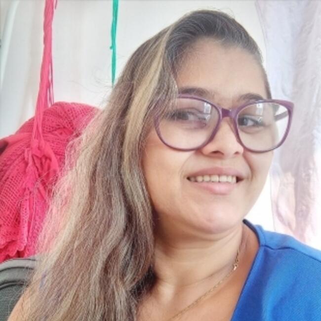 Babá em Fortaleza: Ireuda