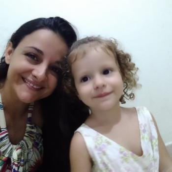 Babysitter Santarém: Akelle
