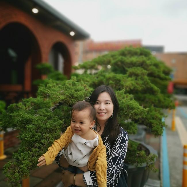 台北市的保母職缺: Selphie