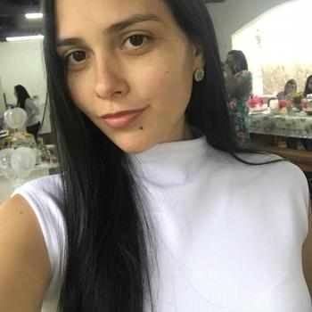Babysitter in São José dos Campos: Júlia