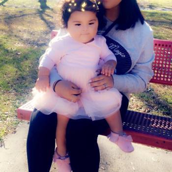 Babysitter Dallas: Abigail