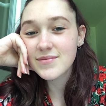 Babysitter Décines-Charpieu: Sarah