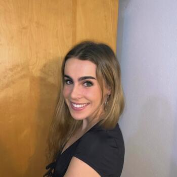 Babysitter Montreal: Isabella
