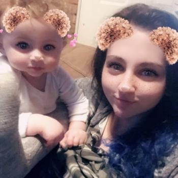 Baby-sitter Surrey: Michaela