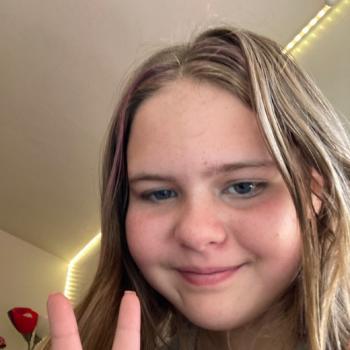 Babysitter in Longmont: Alivia
