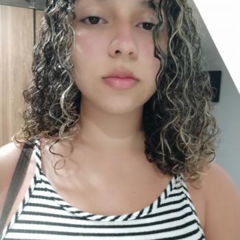 Babysitter Vila Velha: Daynara