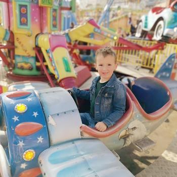 Babysitting job in Castleford: babysitting job Chris