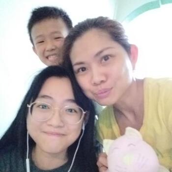 Babysitter in Singapore: Allison