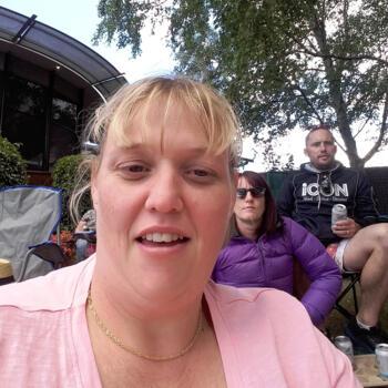 Babysitter in Launceston: Angela