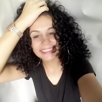 Babysitter Rio de Janeiro: Laryssa