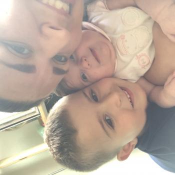 Babysitter a Prilly: Aiola