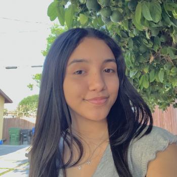 Babysitter in Long Beach: Alexandra