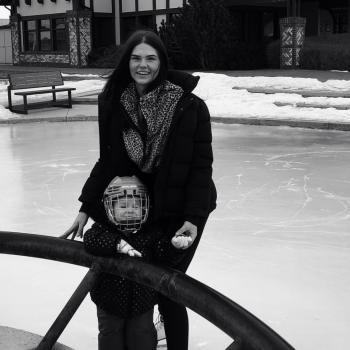 Babysitter Calgary: Casie