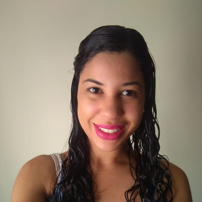 Babá em Londrina: Larissa