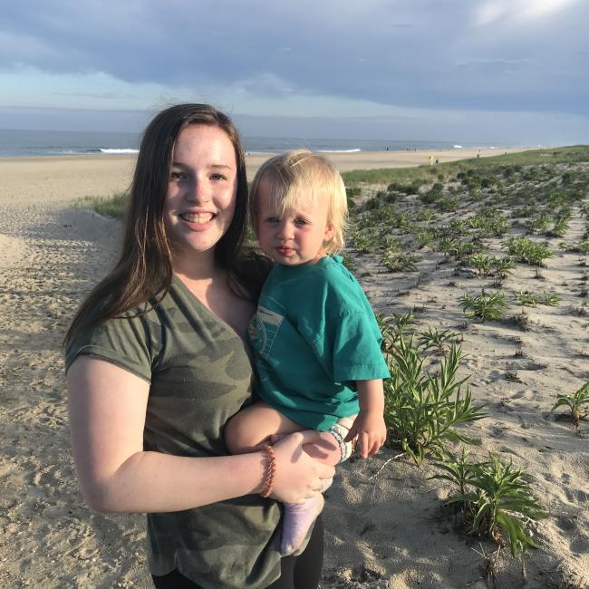 Babysitter in Alexandria: Annie