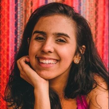 Babá Pouso Alegre: Sarah