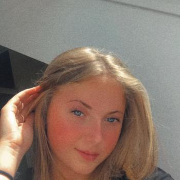 Babysitter in Cherbourg-Octeville: Maena