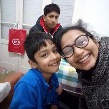 Família Sintra: Trabalho de babysitting Darshana
