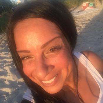 Babysitter Miami Beach: Safia