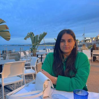 Babysitter in Nice: Kenza