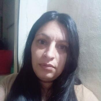 Babysitter in Morón: Romina