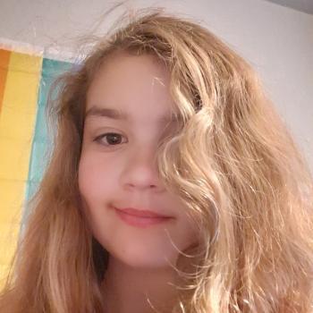 Barnevakt i Indre Arna: Ella