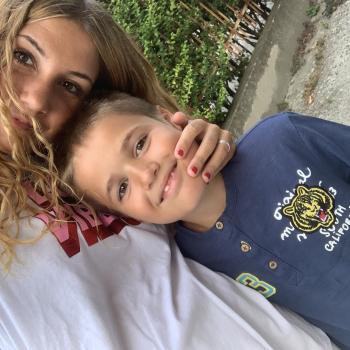 Babysitter Broni: Noemi
